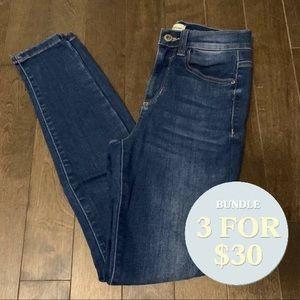 Fashion nova sneakpeak blue classic jeans 3
